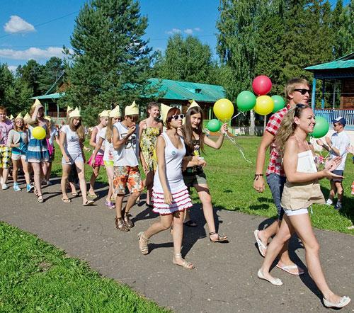 Кричалки для летнего лагеря