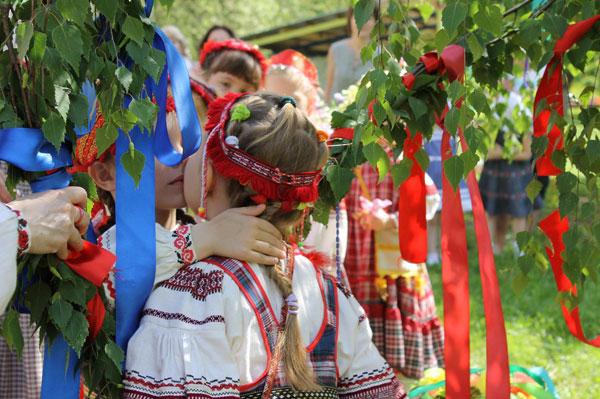 prazdnik-svyatoj-troicy-znachenie-tradicii-primety-i-obychai-5